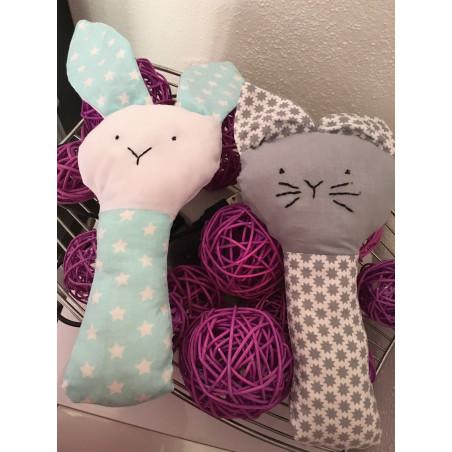 Sonajeros de conejo y gato.